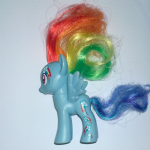 My Little Pony Rainbow Dash cutie mark pattern on head and leg